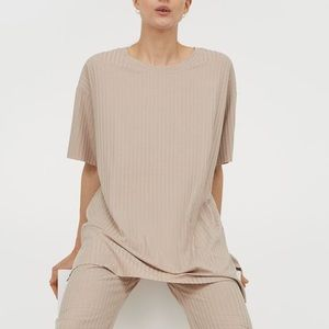 Ribbed Slit jersey top